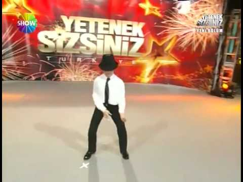 LITTLE MICHAEL JACKSON (12year-old Turkish Boy)
