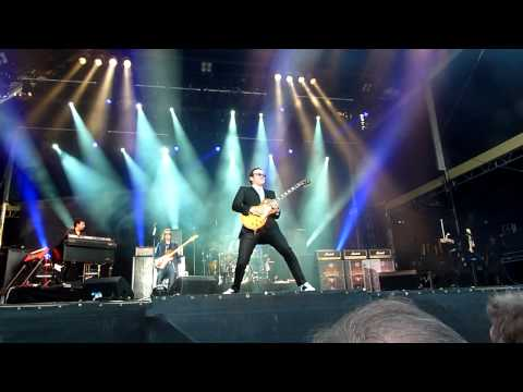 Black Country Communion - Song Of Yesterday 05.07.2011 Live Zitadelle Spandau.avi
